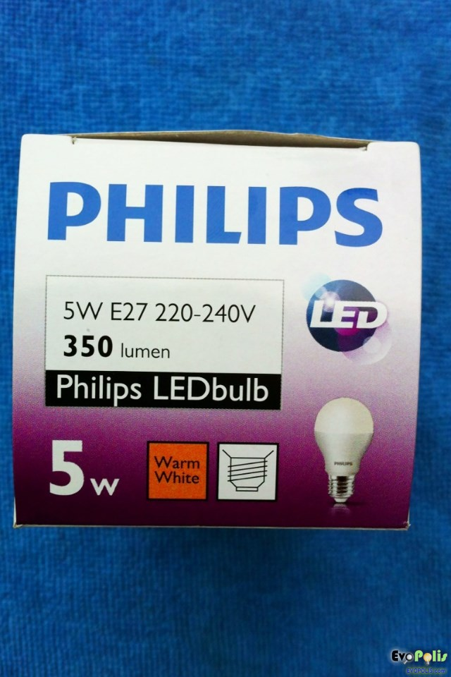 Philips-5W-LEDblub-E27-04