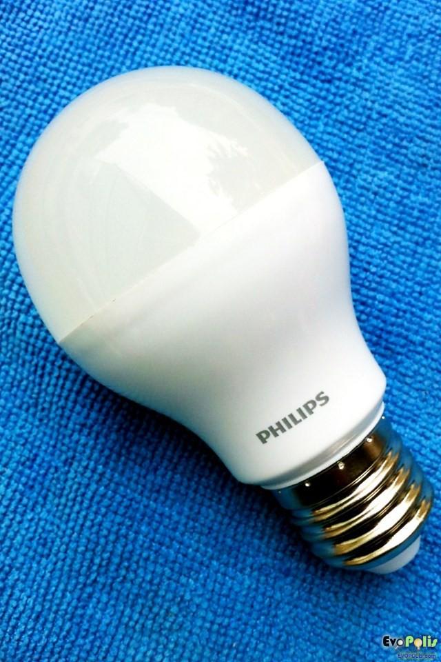 Philips-5W-LEDblub-E27-14