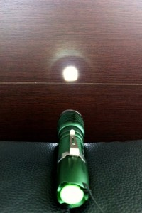 UltraFire – Super Blight Cree XR-E FlashLight – อุลตร้าไฟร์ ไฟฉาย ครี เอ็กซ์อาร์อี แอลอีดี ชาร์จได้ สุดคุ้มค่า