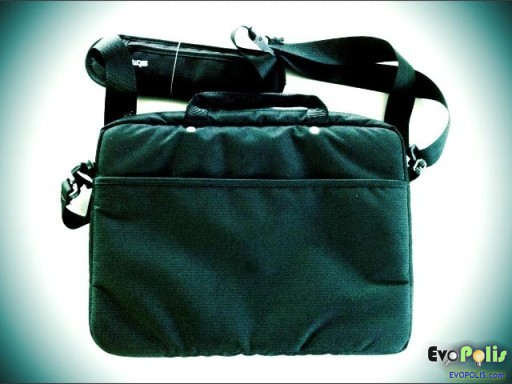 STM-Slim-Small-Laptop-Shoulder-Bag-02