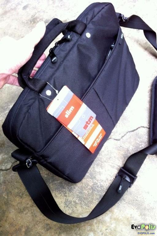STM-Slim-Small-Laptop-Shoulder-Bag-28