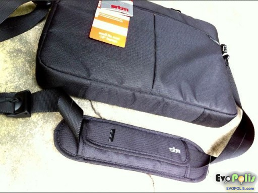 STM-Slim-Small-Laptop-Shoulder-Bag-29