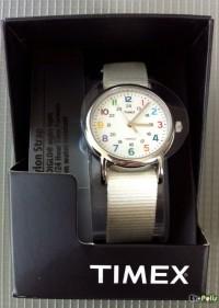Timex Weekender Slip Thru - T2N837-04