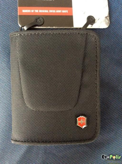 Victorinox Tri-Fold Wallet-06