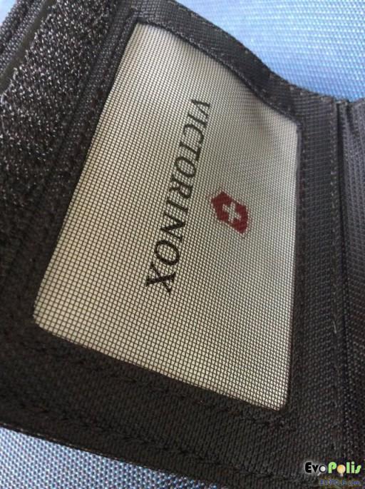 Victorinox Tri-Fold Wallet-17