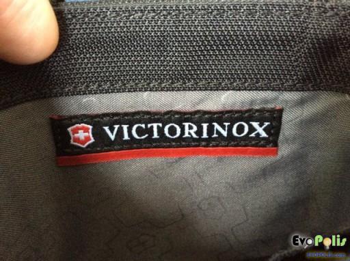 Victorinox Tri-Fold Wallet-18