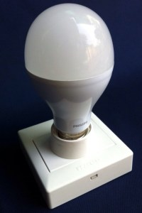 Häco E27 Lamp Holder & Philips 14W LED bulb – ขั้วหลอดเกลียว ฮาโก้ และ หลอดไฟ แอลอีดี 14วัตต์ ฟิลิปส์.