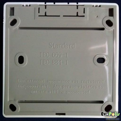 Haco-E27-Lamp-Holder-03