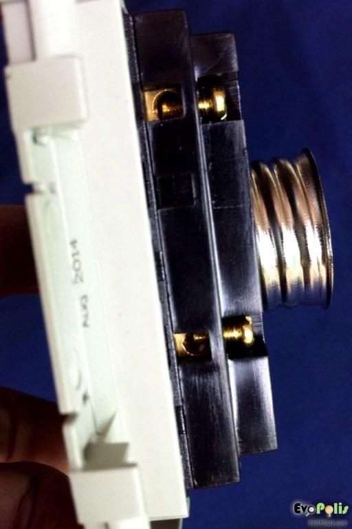 Haco-E27-Lamp-Holder-10