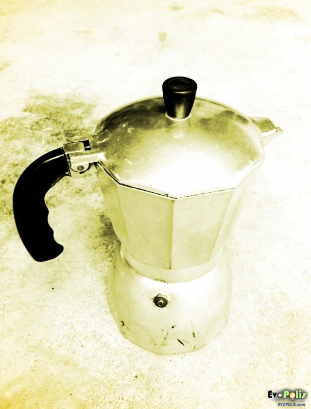 Moka Pot - Stove Top Espresso Maker - ทำกาแฟสด เอสเปรสโซ่ ง่ายๆ ที่บ้านคุณด้วย หม้อม๊อคก้าพ๊อท